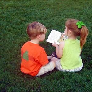 Liniște, copiii citesc!